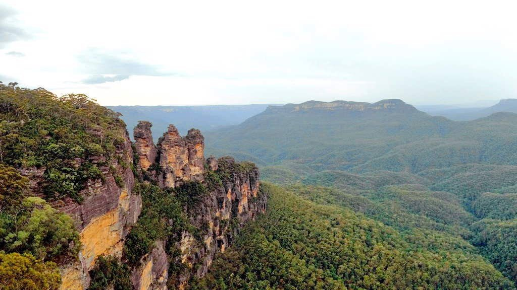 three sisters Mountain