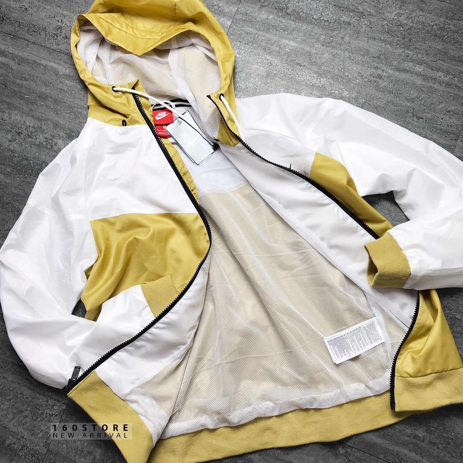 N!KE Windrunner Jacket