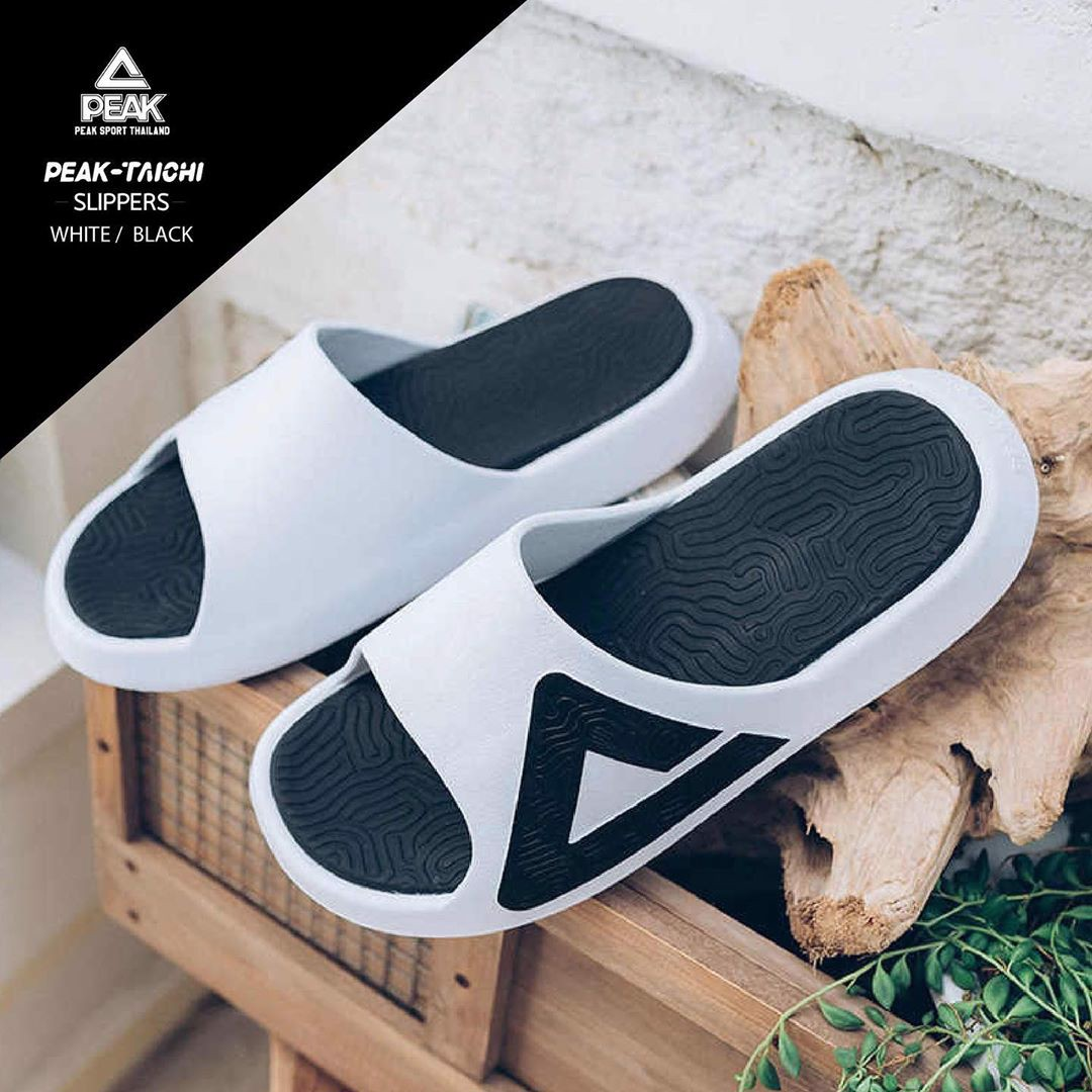 Peak Taichi Slippers E92037L White Black