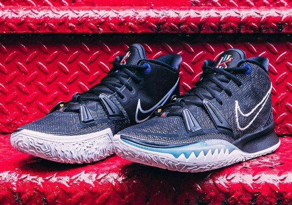 Nike Kyrie 7 Black White
