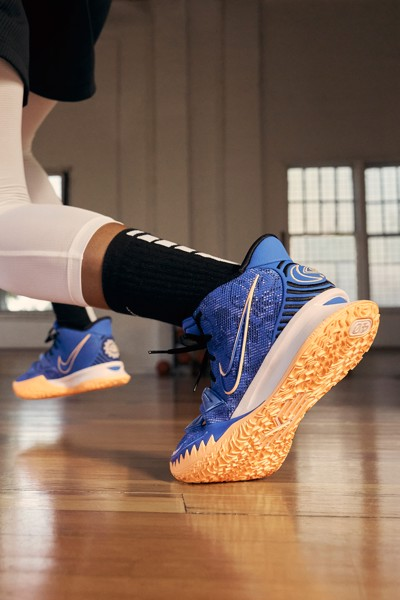 Nike Kyrie 7 Sisterhood