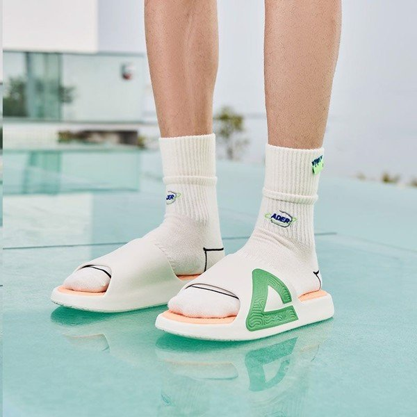 Peak Taichi Slippers White Green