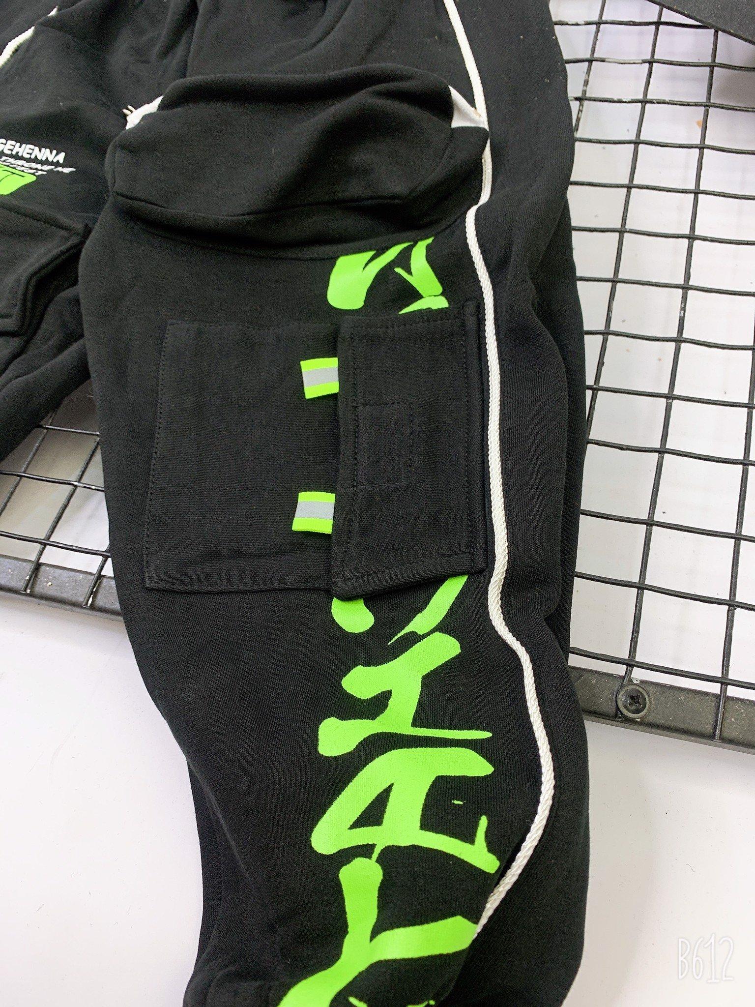 Quần thun dài jogger trẻ em phối chữ neon N230