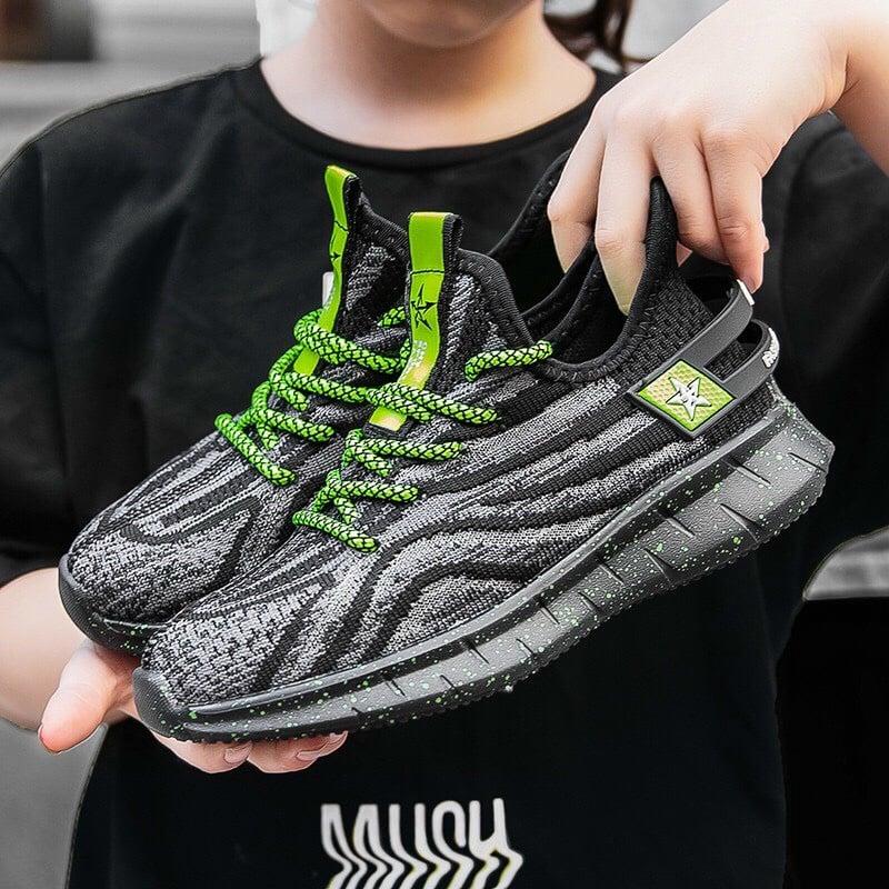 Giày sneaker viền dây neon