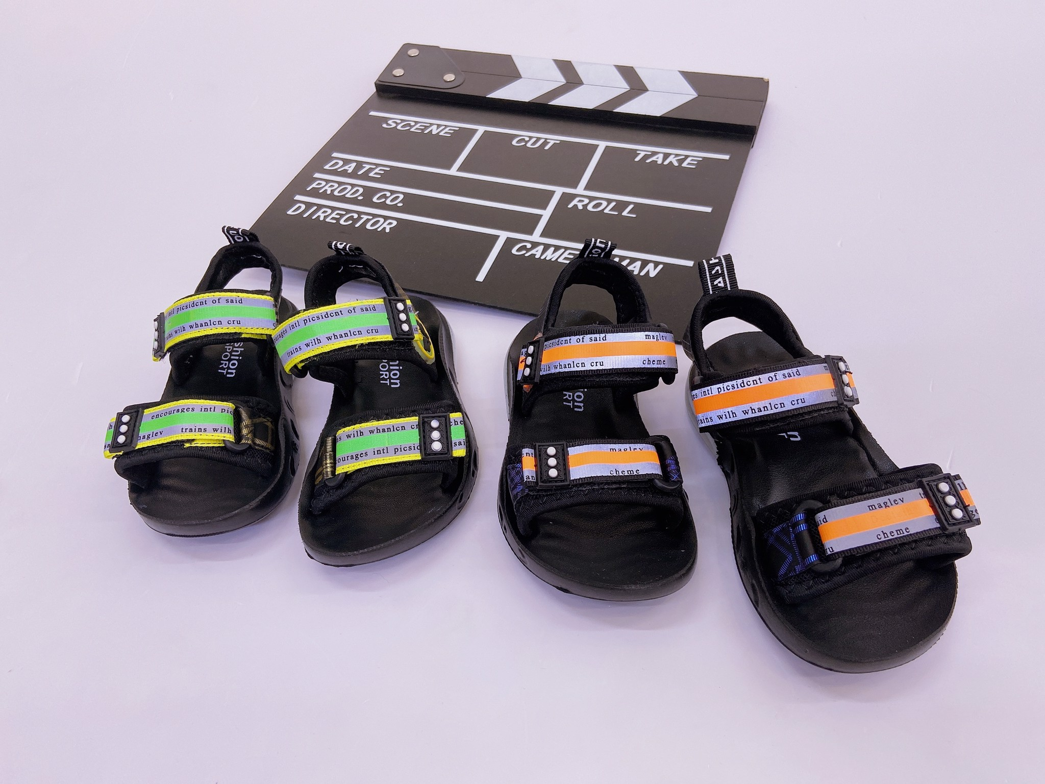 Sandal quai sọc màu 3 chấm