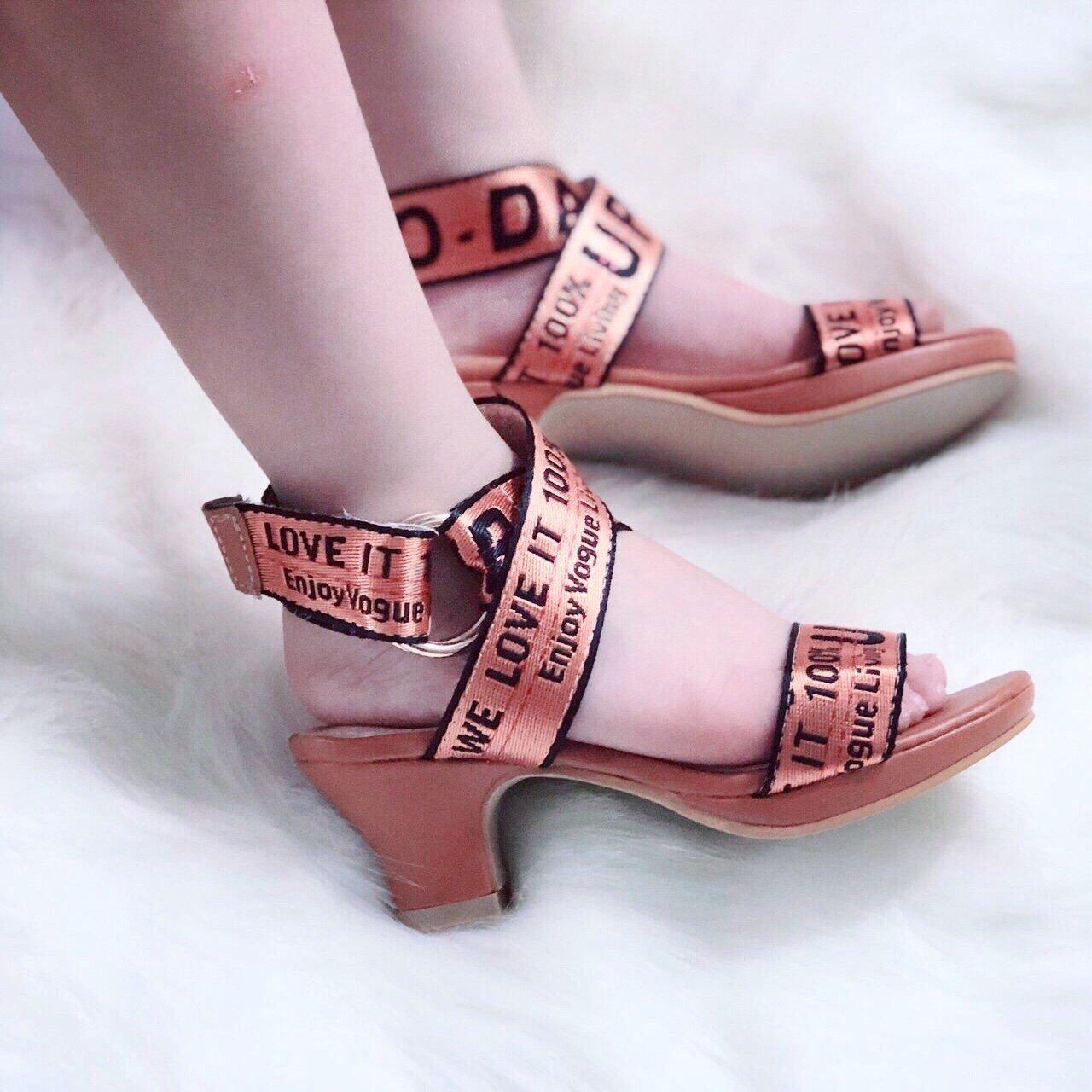 Giày cao gót DATA dây dù