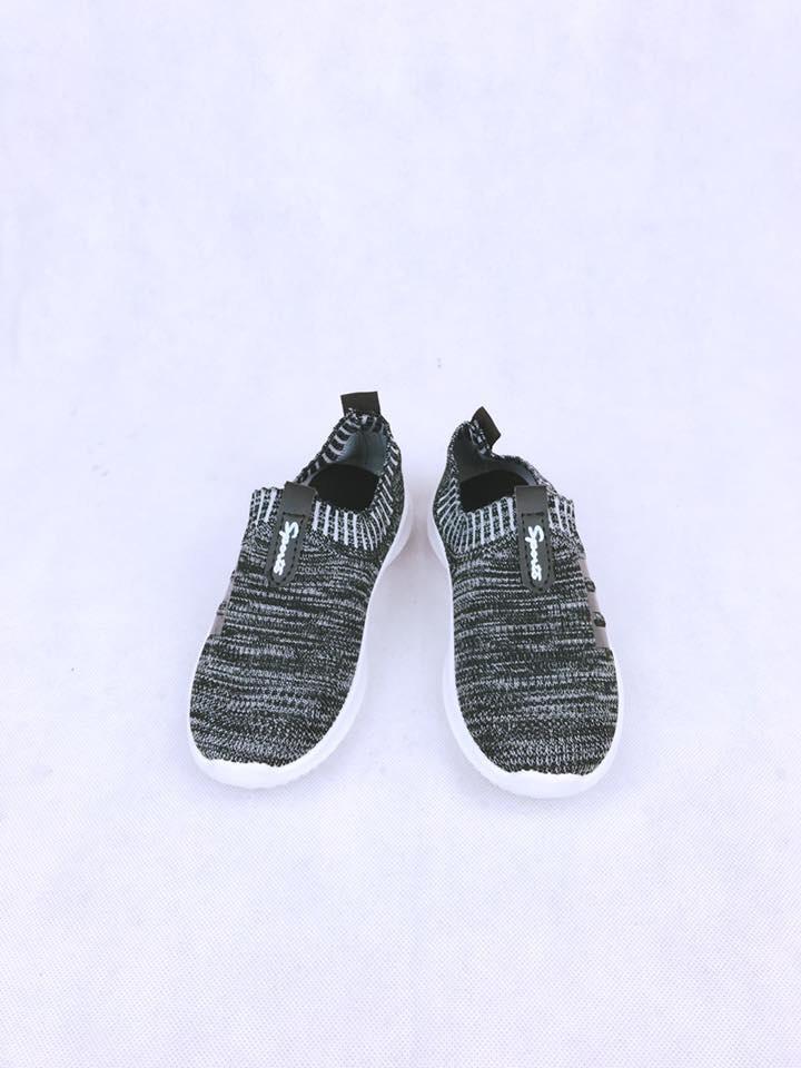 Giày chun nhiều kiểu dáng
