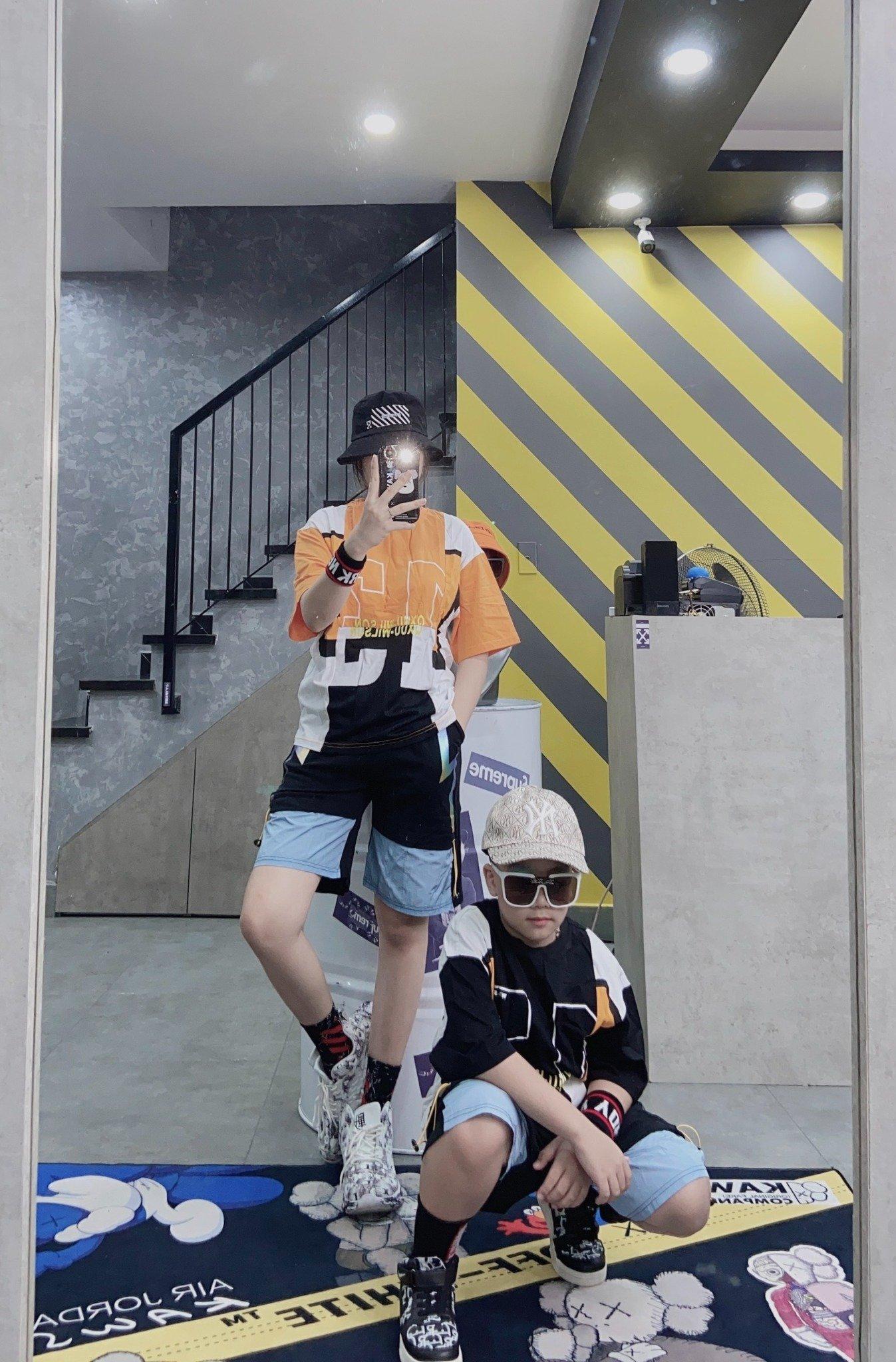 Set bộ ngắn trẻ em áo in 13 QXUU quần ziczac bóng ZS505Y