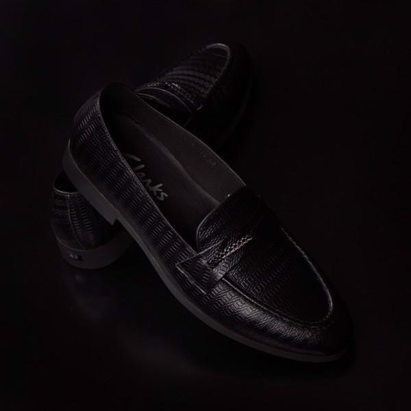Giày lười da bò xịn màu đen dập họa tiết nổi cá tính