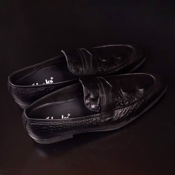 Giày Clrk lười da màu đen Băng thủng vân cá sấu sang trọng