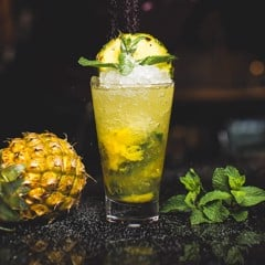 Cocktail pineapple wine
