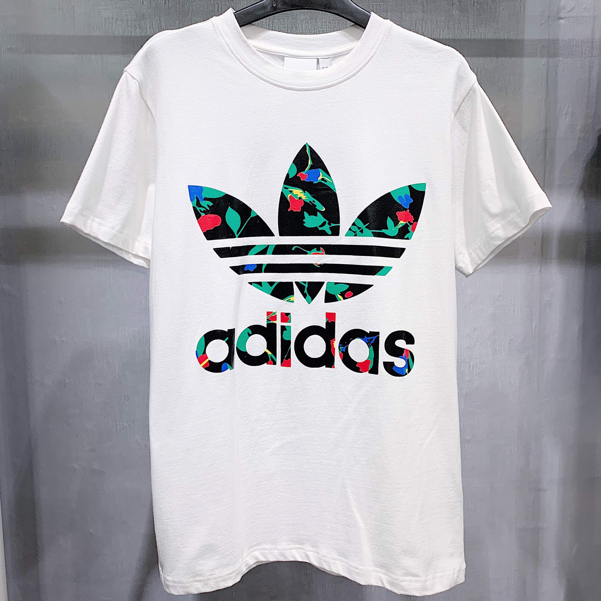 Big Trefoil Tee White / Black FL0027
