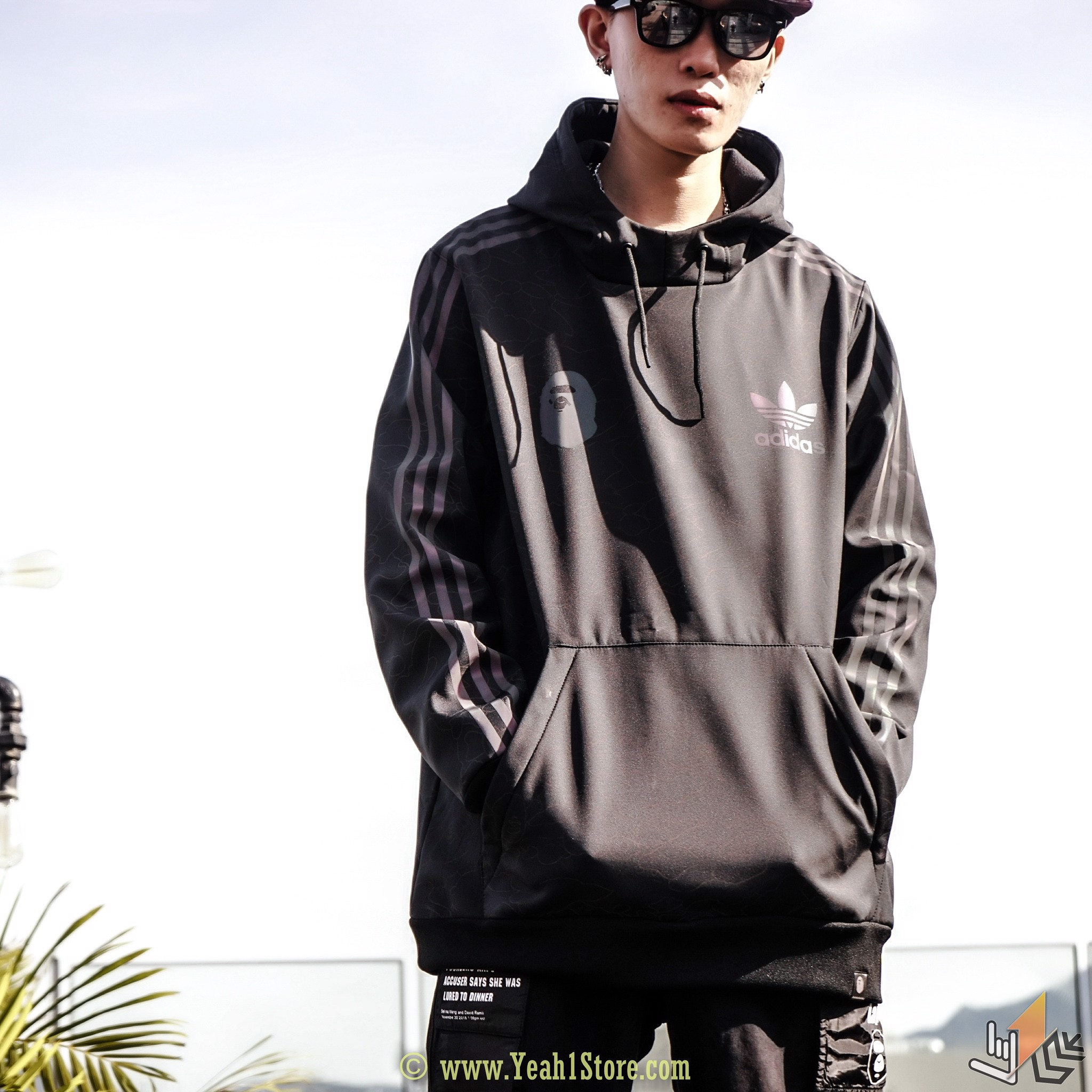 BAPE® x ADIDAS TECH HOODIE BLACK REFLECTIVE ( TOP VERSION )