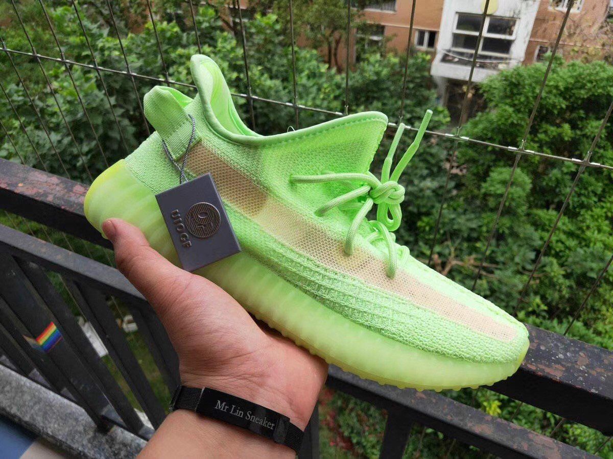 [OG Version] - Yeezy 350v2 - Glow In The Dark - EG5293