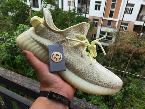 [OG Version] - Yeezy 350v2 - Butter - F36980