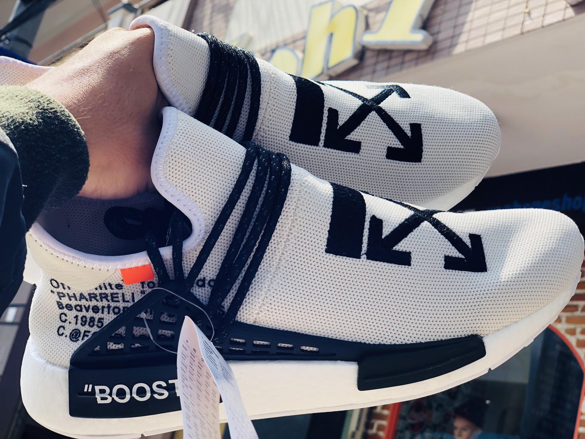 HUMAN RACE FT OFF WHITE (REPLICA 1:1)