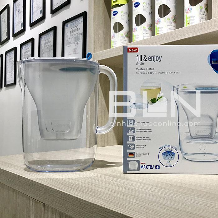 Bình lọc nước BRITA Style Blue 2.4L (có sẵn 1 lõi lọc Maxtra+ & SmartLight) - Thương hiệu đến từ Đức
