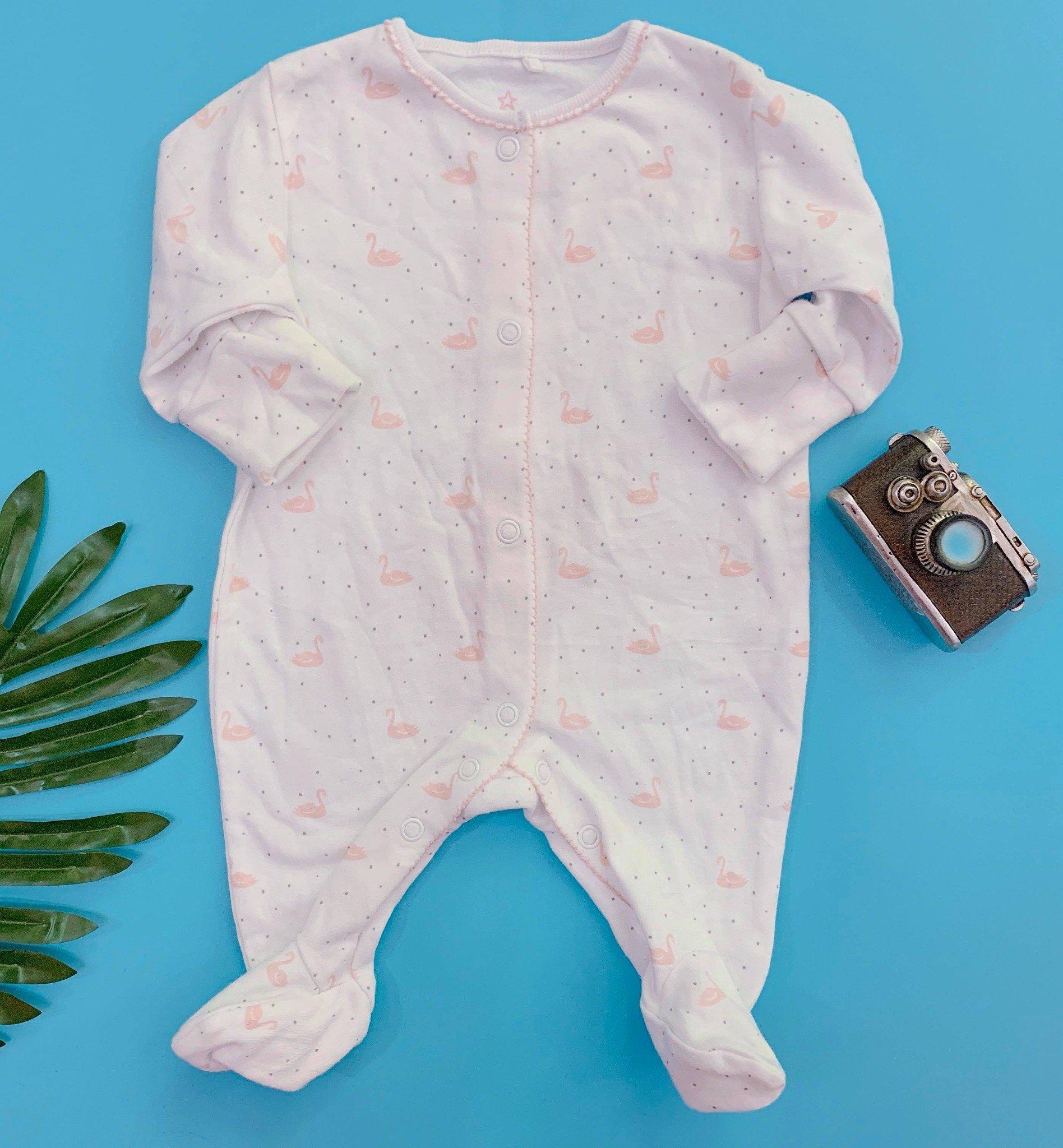 [3-7kg] Sleepsuit Next Baby 73 [Girl] - Trắng/Thiên Nga