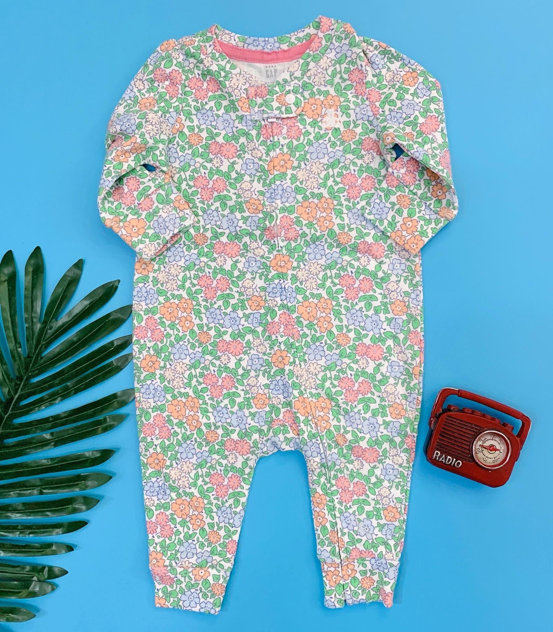 [5-10kg] Sleepsuit Baby Gap 56 [Girl] - Trắng/Hoa Xanh Cam