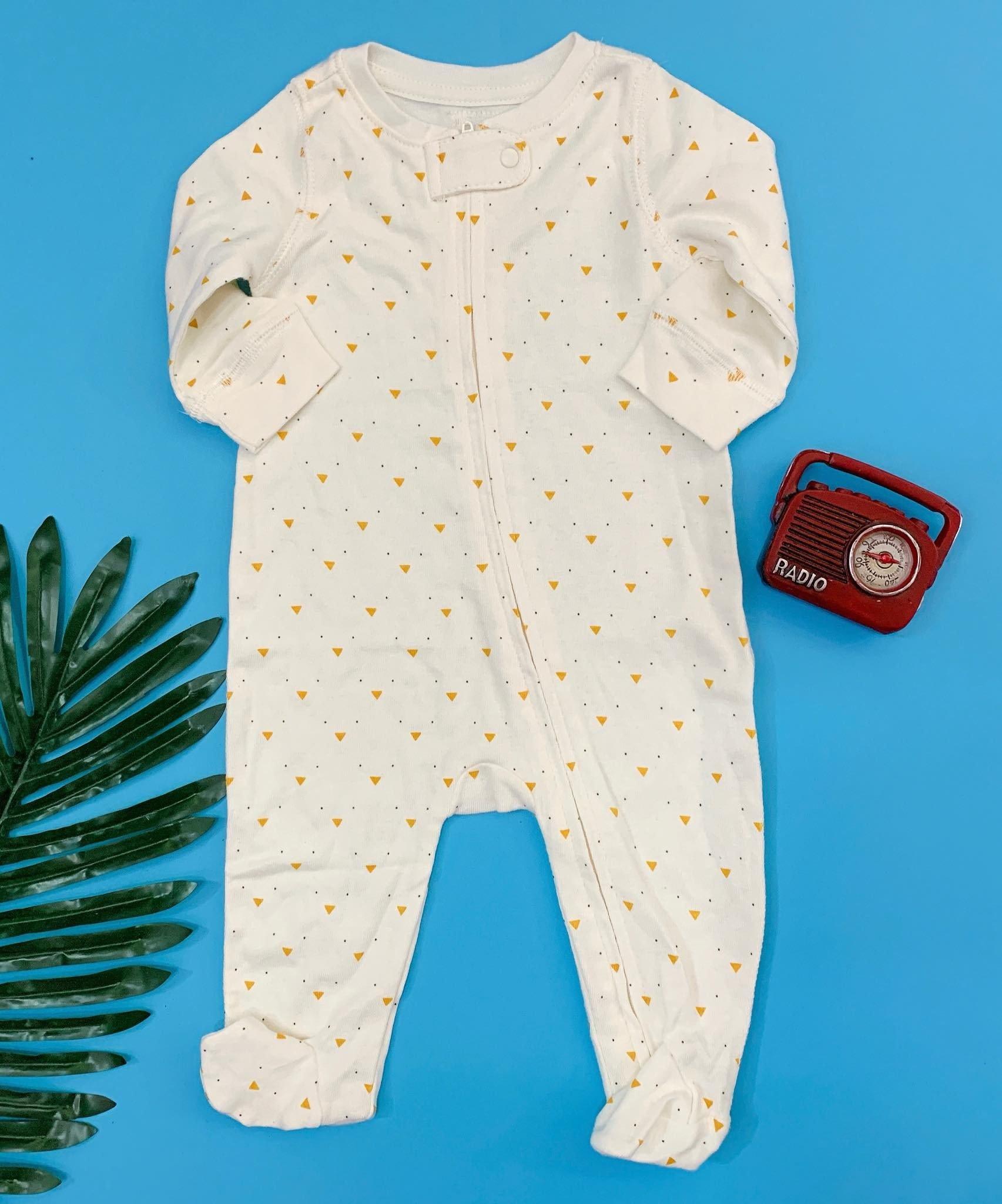 [5-8kg] Sleepsuit Baby Gap 56 [Boy] - Kem/Tam Giác Vàng