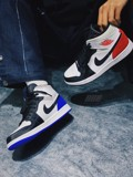 JORDAN 1 MID SE ROYAL BLACK TOE - BLUE