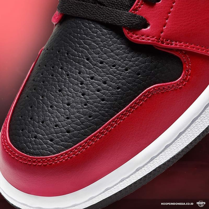 JORDAN 1 LOW BLACK RED 553558 605