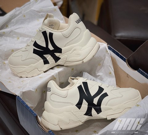 MLB NEW YORK YANKEES SNEAKERS ( BLACK )