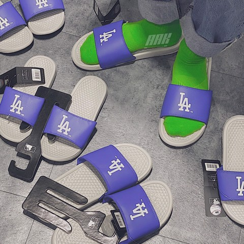 MLB LA SLIPPERS