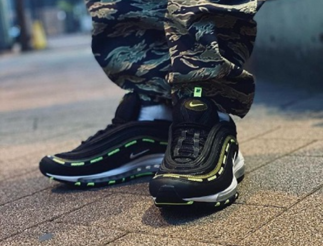 Giày Nike Undefeated x Air Max 97 'Black Volt' DC4830-001