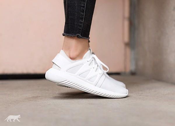 nen hay khong nen mua giay the thao nu adidas tubular viral chalk white
