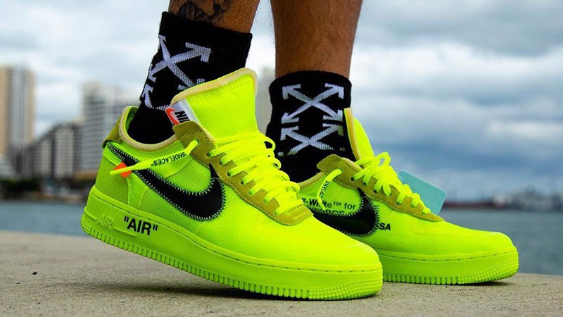 Nike Air Force 1 Low Off-White Volt AO4606-700