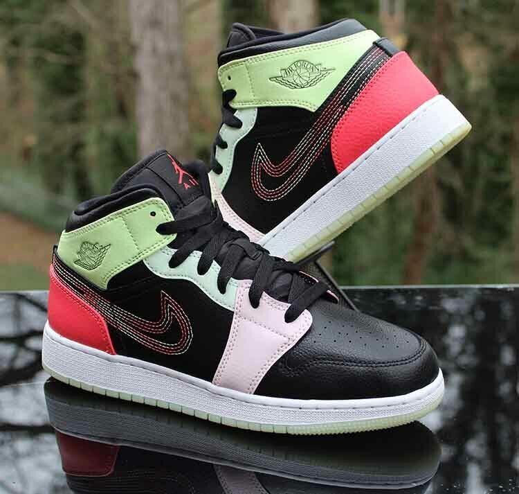 Nike Air Jordan 1 Mid SE 'Glow In The Dark' AV5174-076