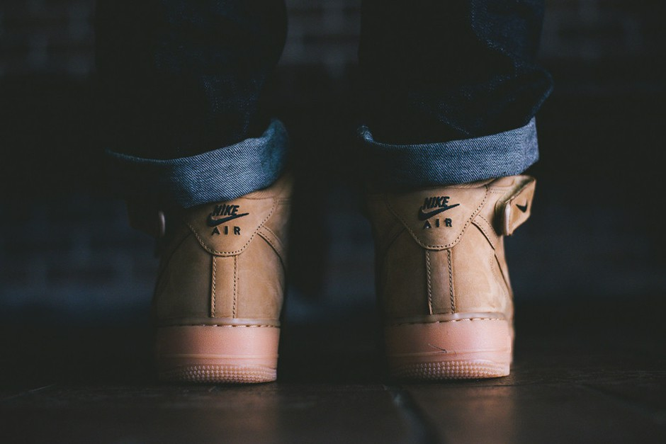 Nike Air Force 1 High Flax Wheat 807617-701