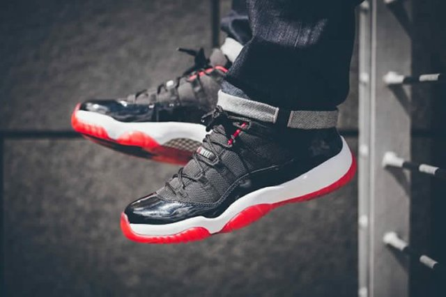 Giày Nike Air Jordan 11 Retro Low 'Bred' 528895-012
