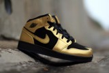 Giày Nike Air Jordan 1 Mid Metallic Gold Coin Black 555112-905