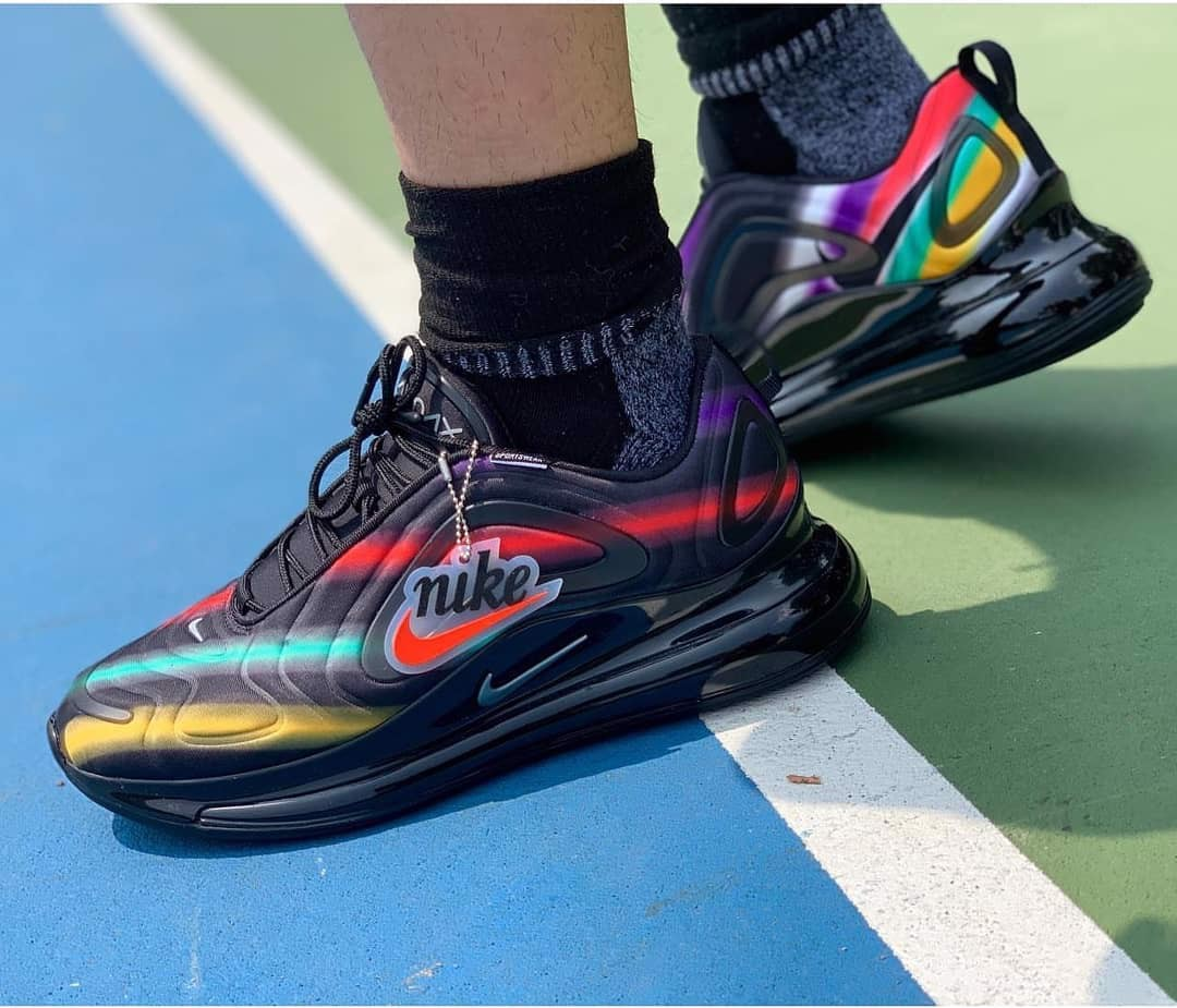 Nike Wmns Air Max 720 'Black Multi' AR9293-023