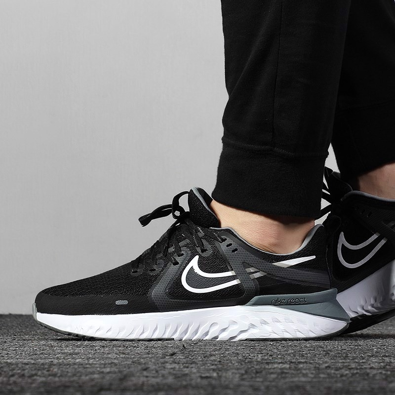 Nike Legend React 2 'Black' AT1368-001