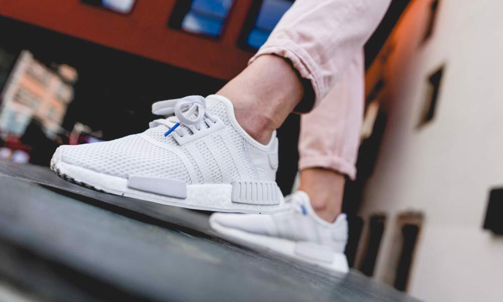 Giày Adidas Wmns NMD R1 'Crystal White Real Lilac' B37645