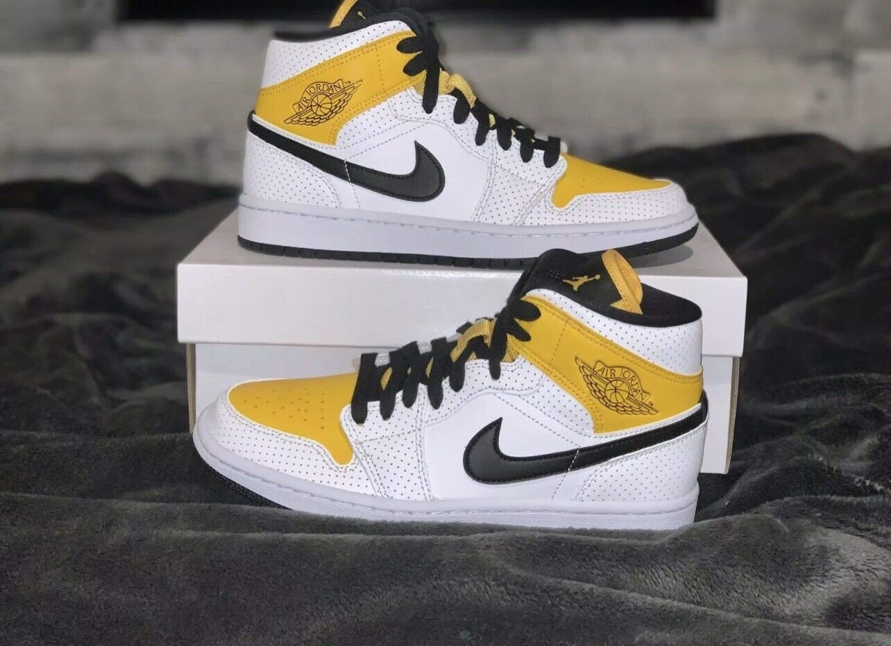 Wmns Air Jordan 1 Mid 'Perforated White University Gold' BQ6472-107