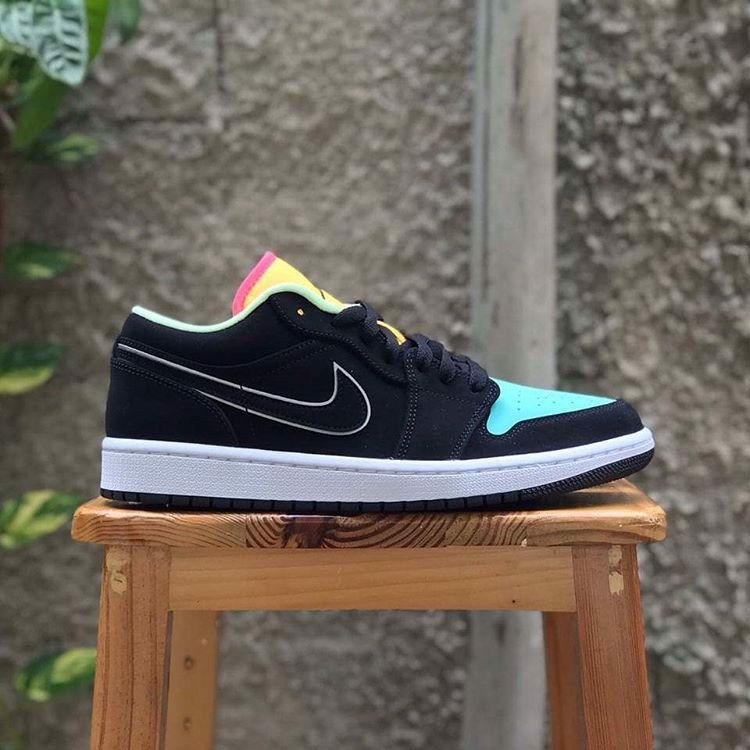 Nike Air Jordan 1 Low SE 'Aurora Green' CK3022-013