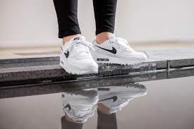 Nike Wmns Air Max 90 'White Black' CQ2560-101