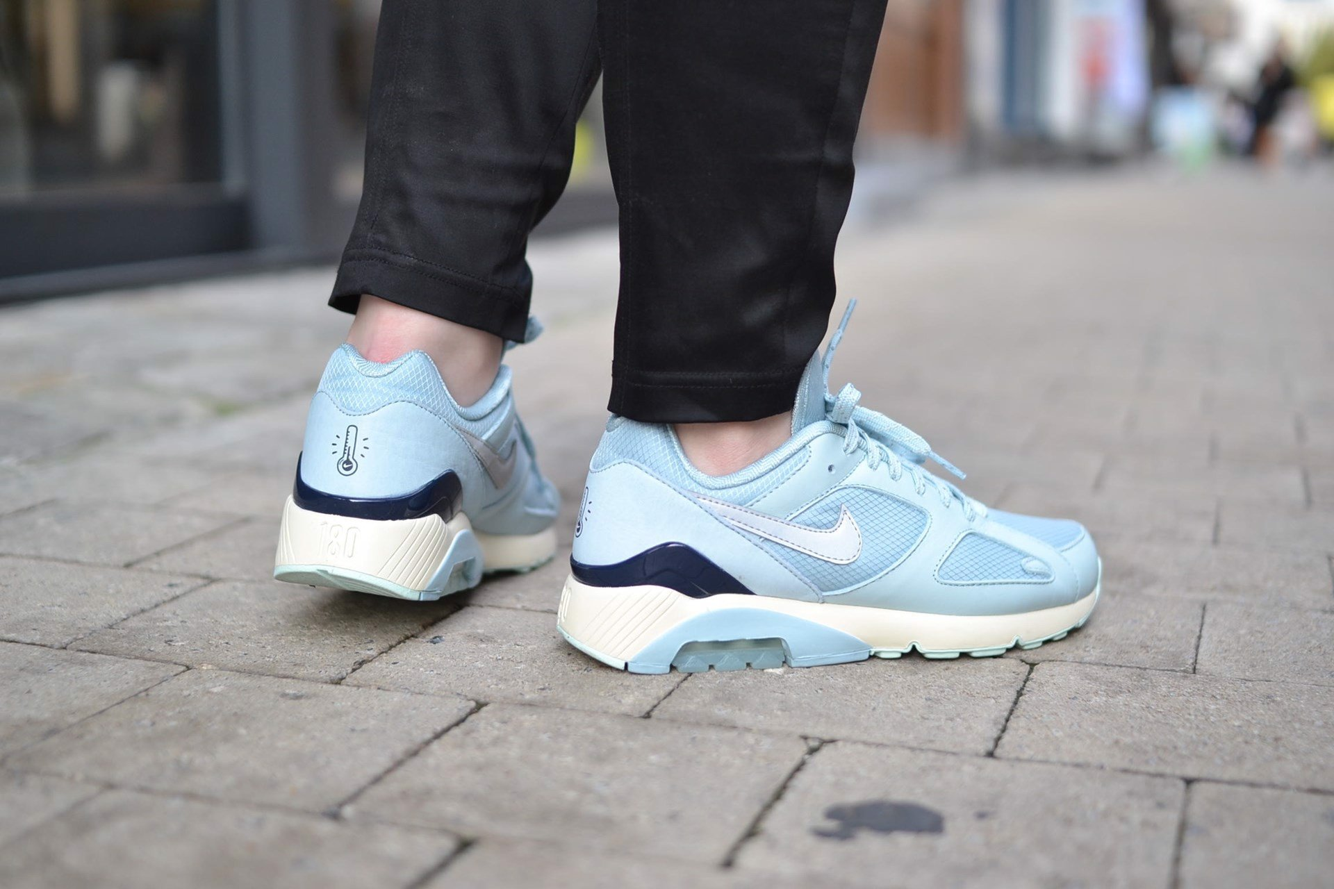 Nike Air Max 180 'Black & Ocean Pack' ICE AV3734-400