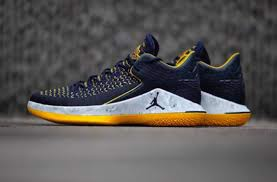 Nike Air Jordan 32 Low 'Michigan Wolverines' AA1256-405