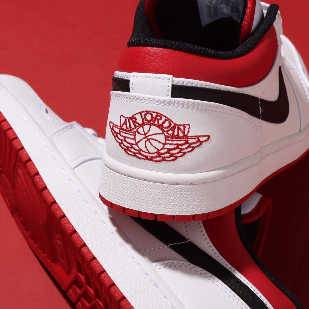 Giày Nike Air Jordan 1 Low White Univeristy Red 553558-118 – AUTHENTIC SHOES
