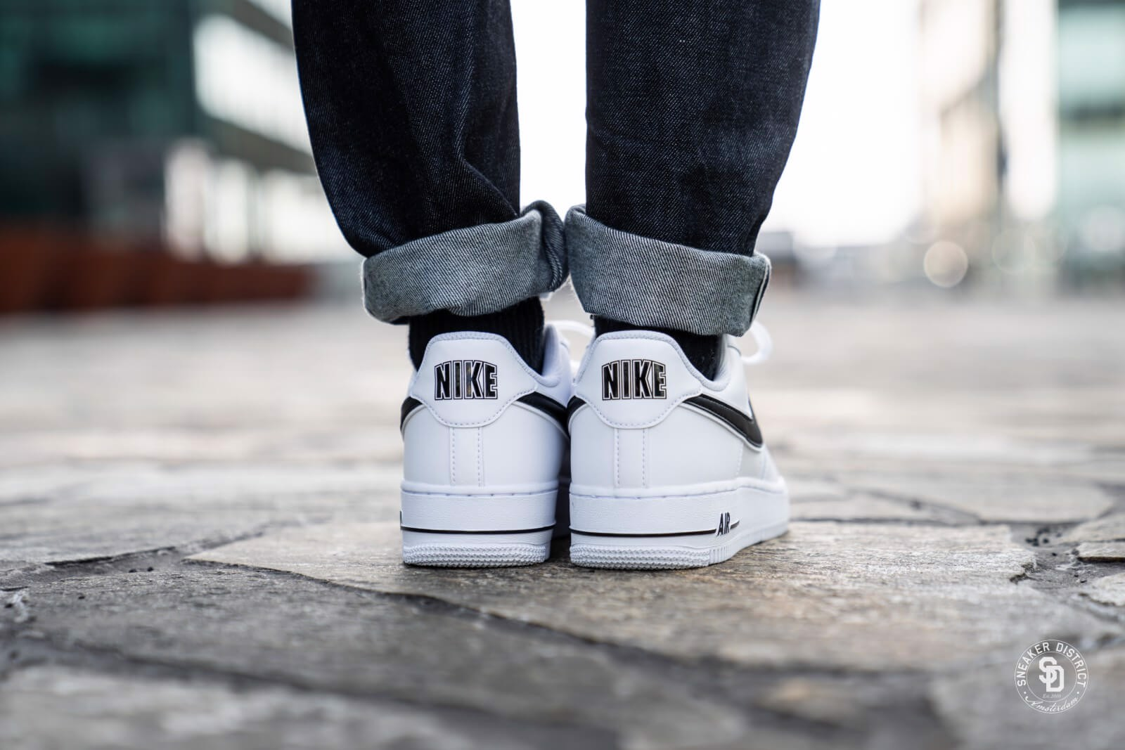 Nike Air Force 1 07 3 'White Black' AO2423-101