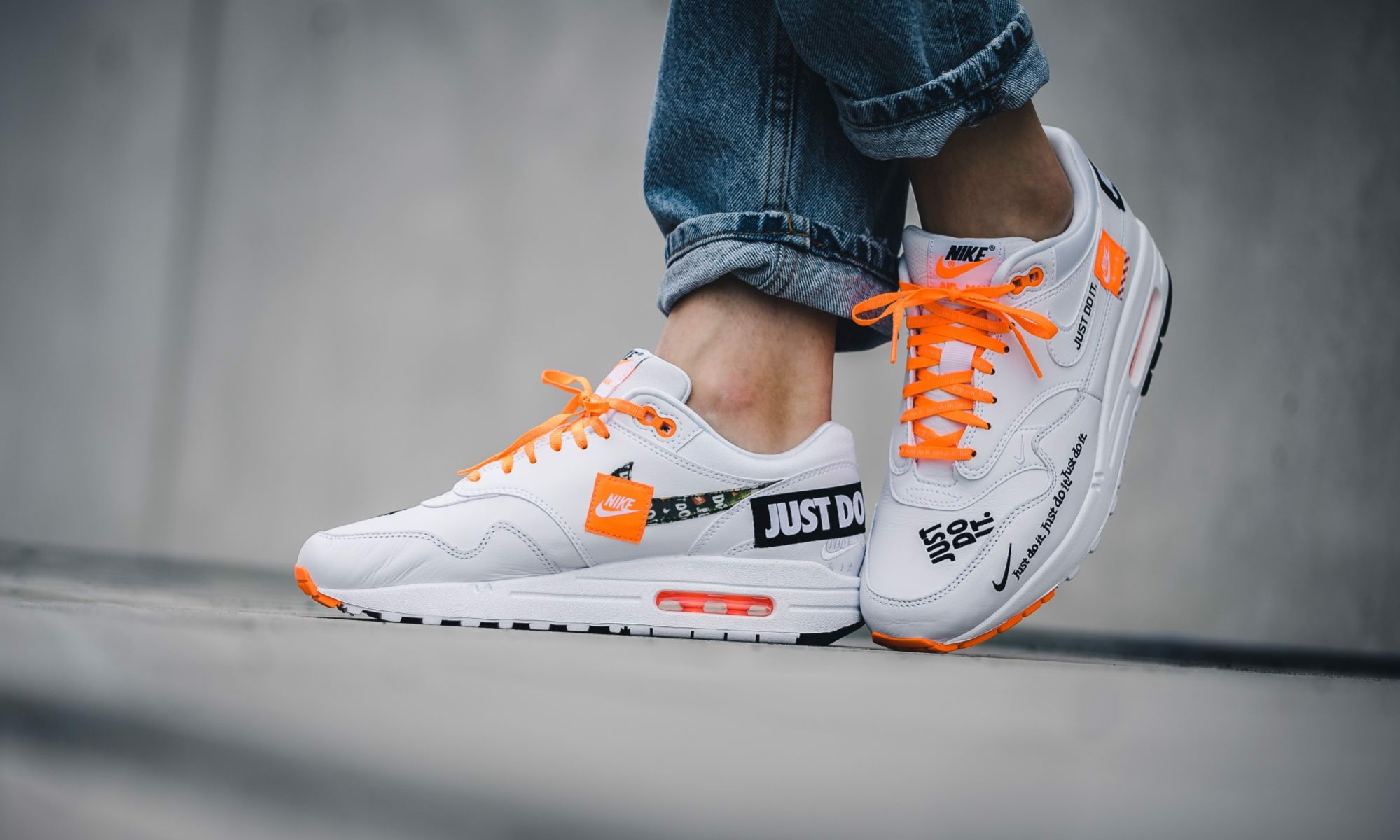 Nike WMNS Air Max 1 Lux 'Just Do It' 917691-100