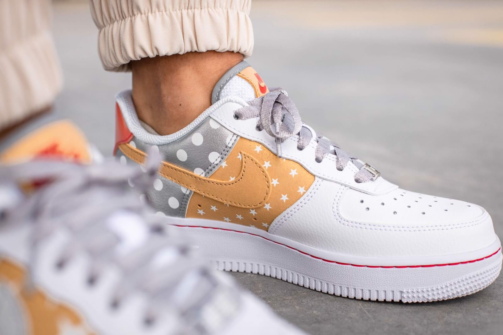 Nike Wmns Air Force 1 Low 'Metallic Gold' CT3437-100