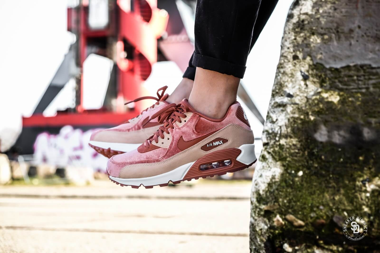competitive price e4901 4f719 Nike Femme Air Max 90 LX  Dusty Peach  898512-201 – AUTHENTIC SHOES