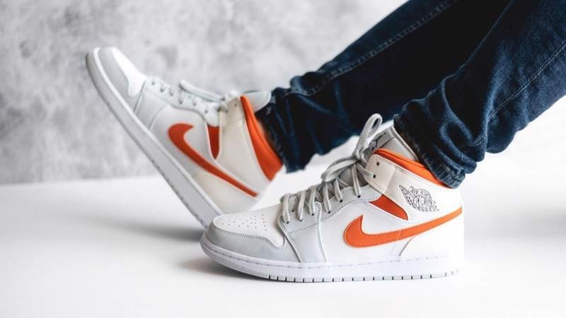 Nike Air Jordan 1 Mid Starfish Pure Platinum CW7591-100