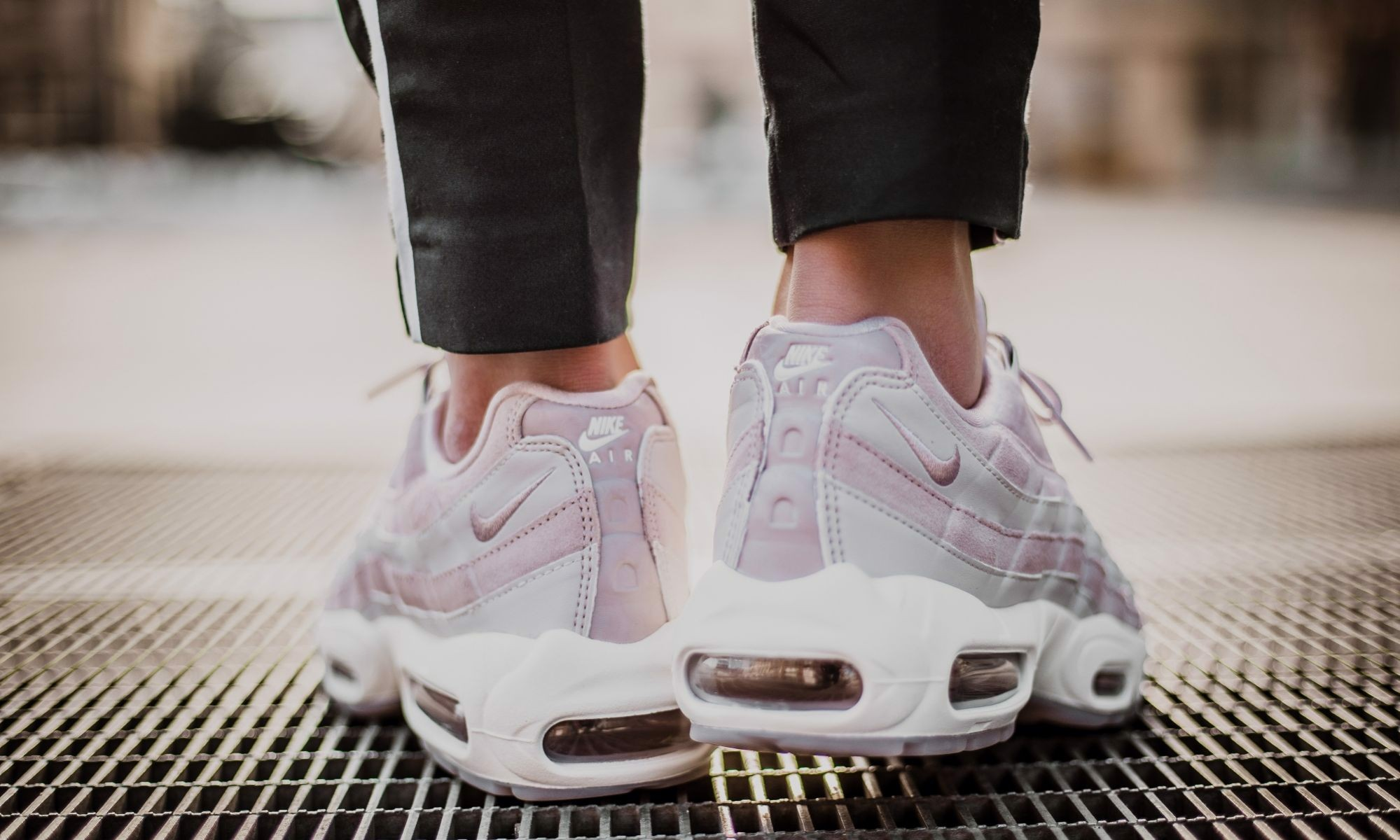 Nike Air Max 95 Deluxe 'Particle Rose' AA1103-600